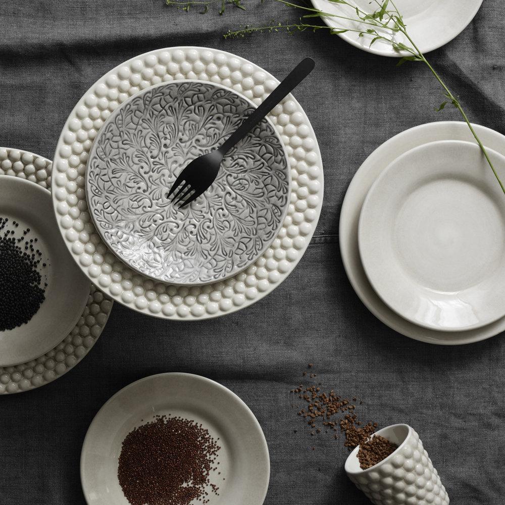 Mateus - Mateus keramik handlar om känsla.Med inspiration från gammalt portugisisk hantverk har de skapat en älskad klassiker. Med allt ifrån vardagsporslin till pampiga serveringsfat blir Mateus lätt en uppskattad present.