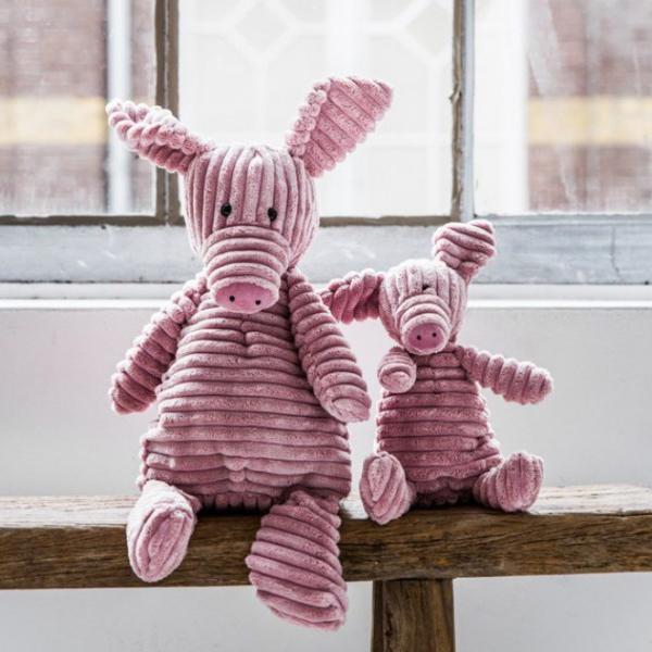 Brigbys - Brigbys har ett brett sortiment av kvalitativa leksaker och flera internationellt starka varumärken. De är bland annat kända för sina söta gosedjurs-djurhuvuden. Passar designintresserade föräldrar.