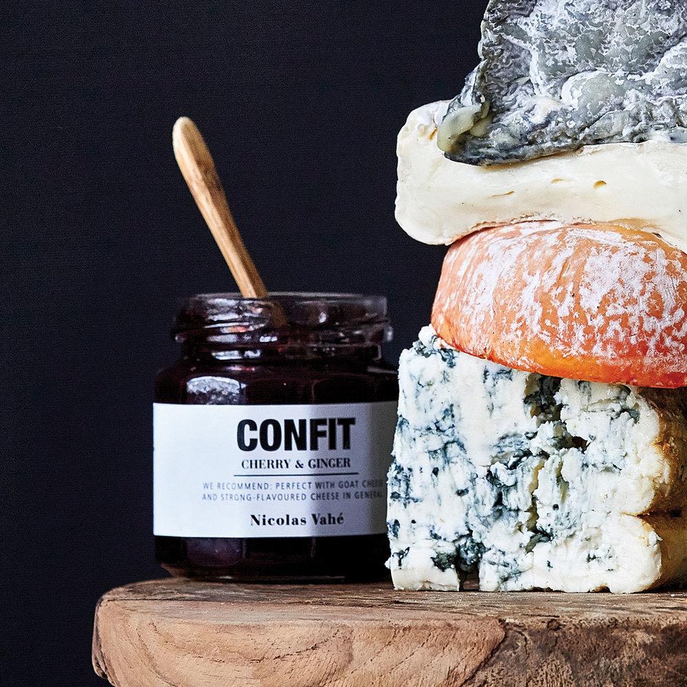 Salta smaker - Efter allt sött behöver smaklökarna balanseras med sälta. Till ostbrickorna är det gott med en confit och lite salta kex.