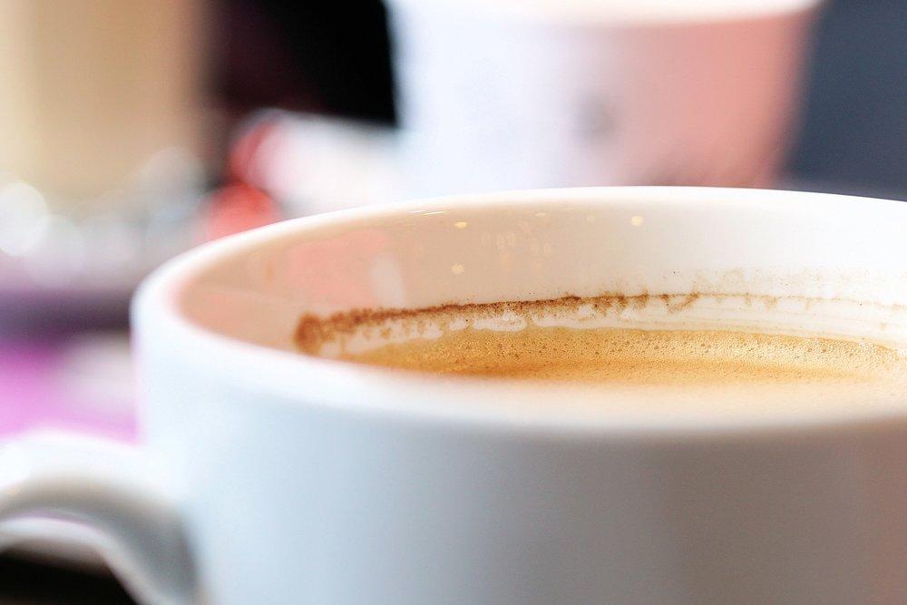 Gemeindecafé - Nach dem Gottesdienst bleibt genug Zeit, um sich in den Räumlichkeiten der Stadtmission bei einem Kaffee gemeinsam auszutauschen, Gehörtes zu vertiefen und Gemeinschaft zu pflegen.