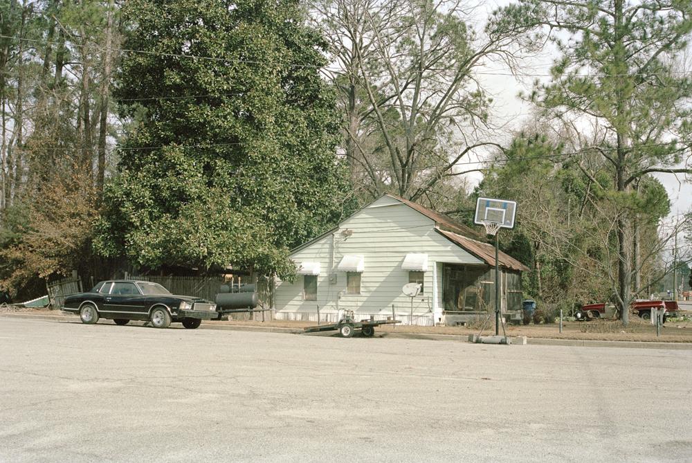 house and sidew drive way.jpg