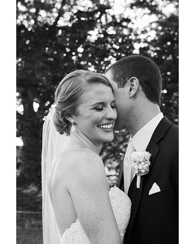 Uggggh soooo pretty!!!!! @jennacarr20 @jhohl6 such a beautiful couple!!! #wedding #annapoliswedding #weddingphotography #brideandgroom #hohlymatrimony #hohlsquad