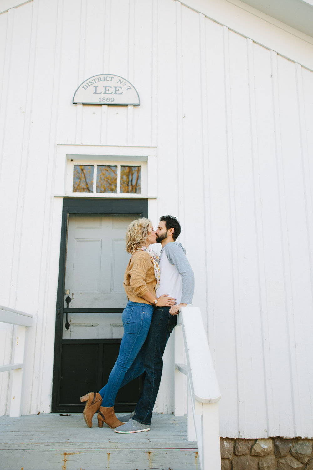 charltonpark_engagementsession_grandrapidsphotographer_grandrapids_hastings_michiganwedding_fallengagement_fallwedding_jdarlingphoto_jessicadarling_westmichiganphotographer_wedding_fall_rusticwedding  003.jpg