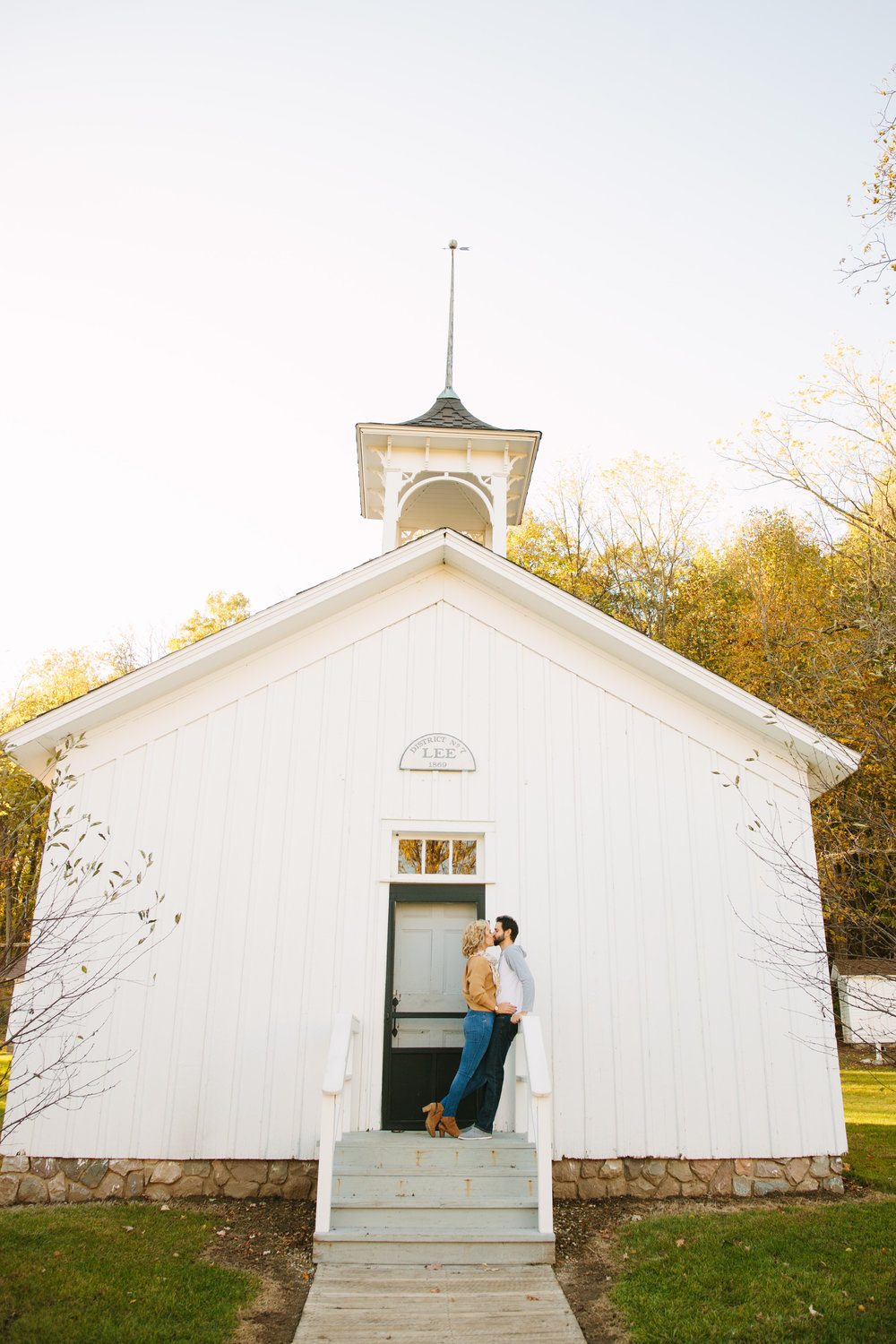 charltonpark_engagementsession_grandrapidsphotographer_grandrapids_hastings_michiganwedding_fallengagement_fallwedding_jdarlingphoto_jessicadarling_westmichiganphotographer_wedding_fall_rusticwedding  004.jpg