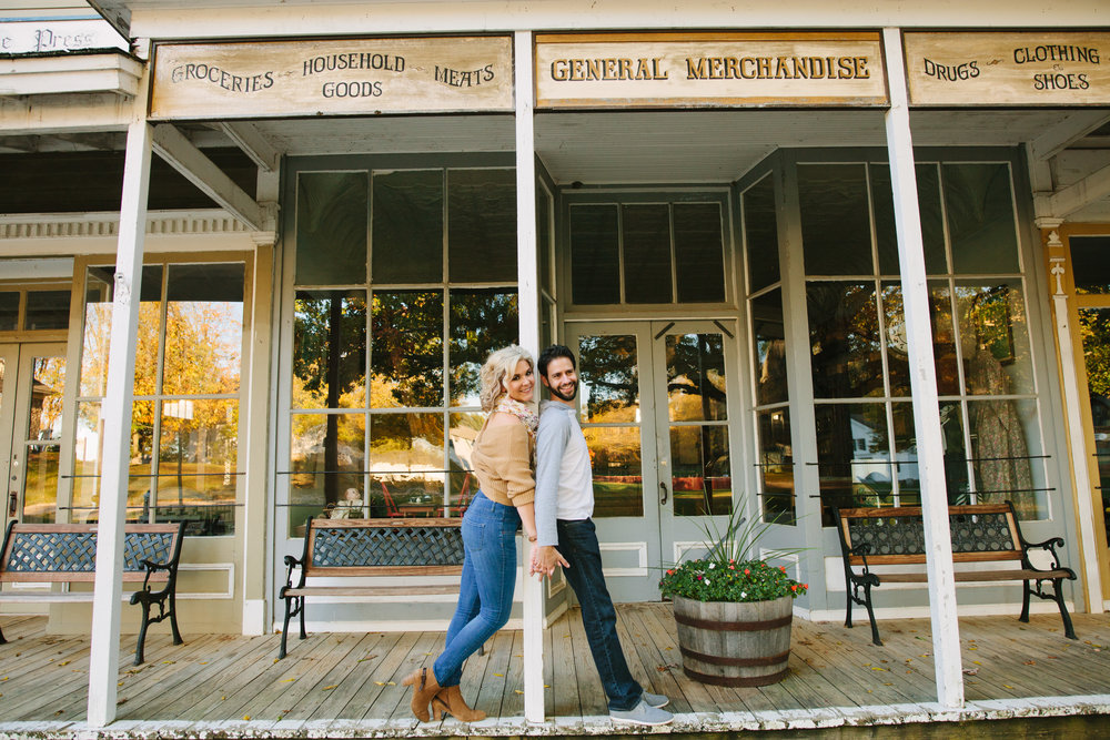 charltonpark_engagementsession_grandrapidsphotographer_grandrapids_hastings_michiganwedding_fallengagement_fallwedding_jdarlingphoto_jessicadarling_westmichiganphotographer_wedding_fall_rusticwedding  012.jpg