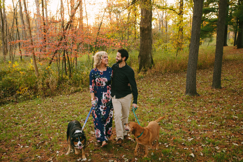 charltonpark_engagementsession_grandrapidsphotographer_grandrapids_hastings_michiganwedding_fallengagement_fallwedding_jdarlingphoto_jessicadarling_westmichiganphotographer_wedding_fall_rusticwedding  025.jpg
