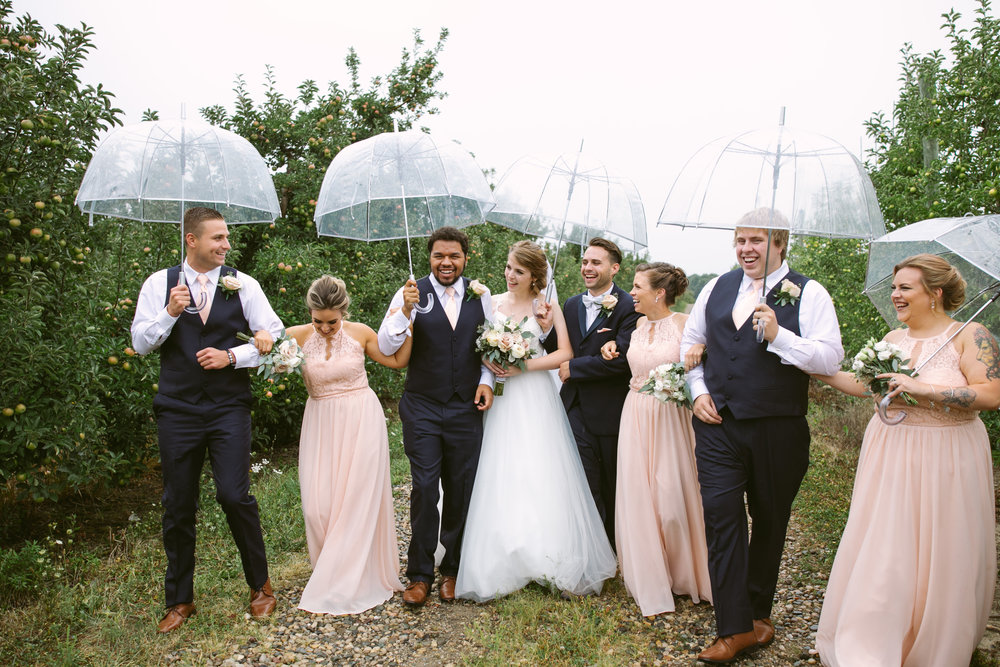 grandrapidswedding_grandrapids_grandrapidsweddingphotographer_countrywedding_orchardwedding_rainyweddingday_rain_summerwedding_grandrapidsphotographer_luna_lunawedding_jessicadarling_jdarlingphoto_ericaandaj030.jpg