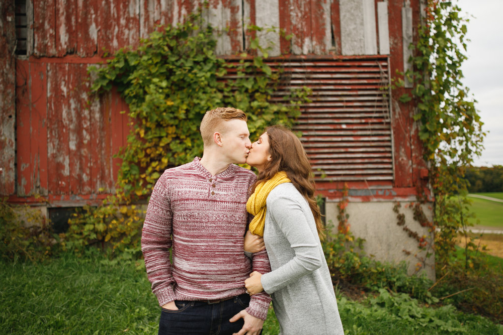 grandrapids_grandrapidsphotographer_grandrapidsweddingphotographer_jessicadarling_jdarlingphoto_engaged_countryengagementsession_fall_fallengagementsession_weddingphotographer_foliage_karlyandsam_westmichiganweddingphotographer_westmichigan 014.jpg