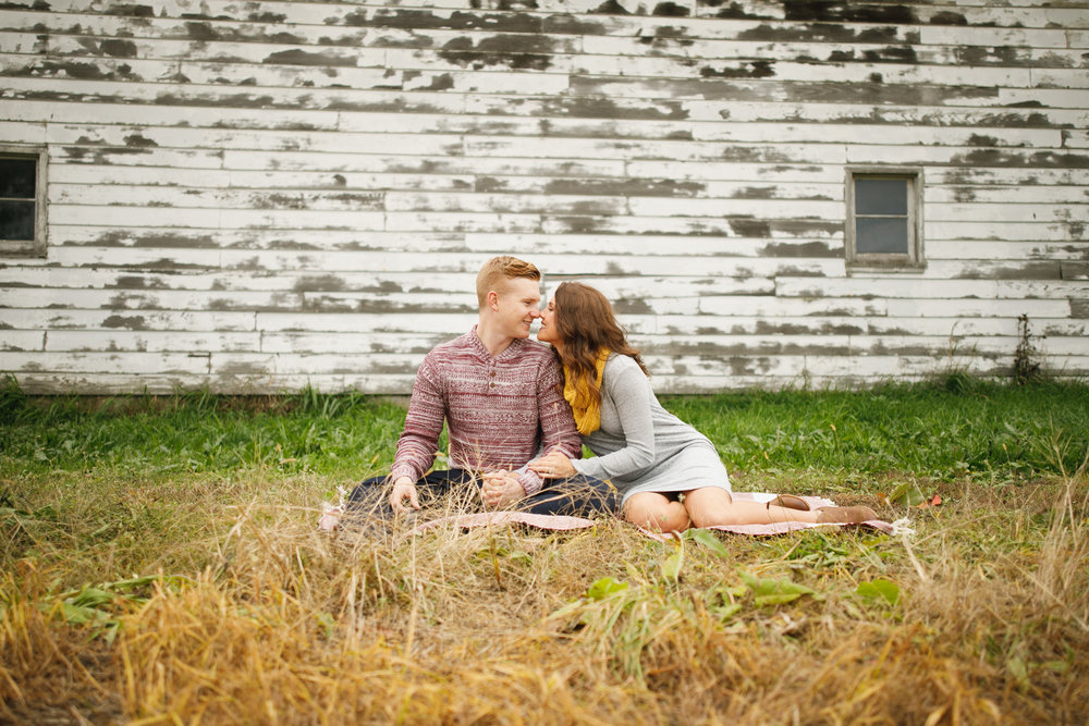 grandrapids_grandrapidsphotographer_grandrapidsweddingphotographer_jessicadarling_jdarlingphoto_engaged_countryengagementsession_fall_fallengagementsession_weddingphotographer_foliage_karlyandsam_westmichiganweddingphotographer_westmichigan 015.jpg
