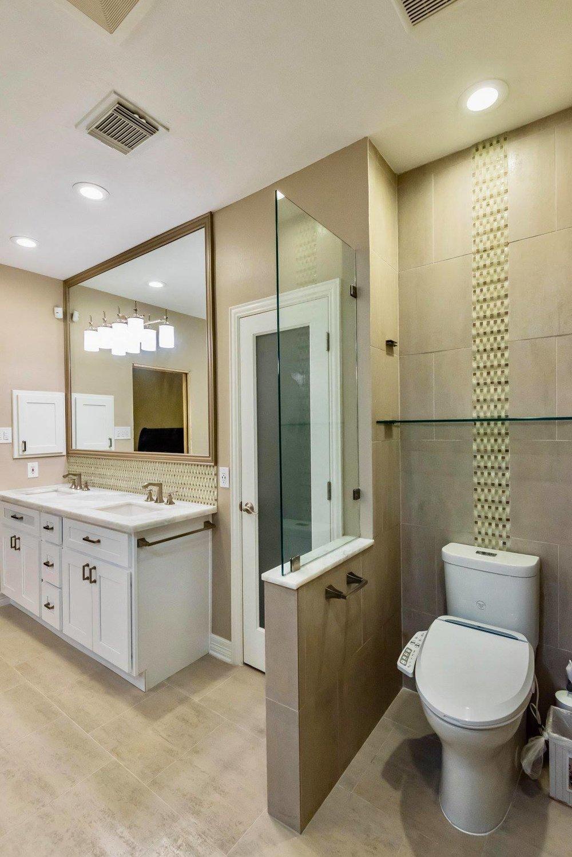 sink and toilet.jpg