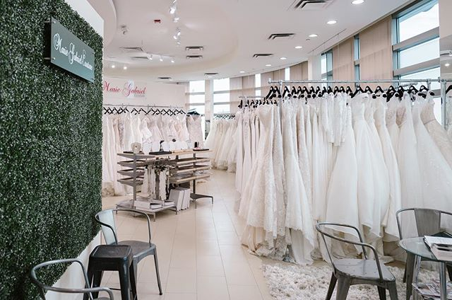 It's a snowy, winter day outside! ❄️ And inside our boutique, a white wonderland too! (Just a lot warmer and cozier 😂) Can't wait to meet all our brides today- drive safely out there! ❤️ Need a last minute appointment? Call us at (317) 849-3333!