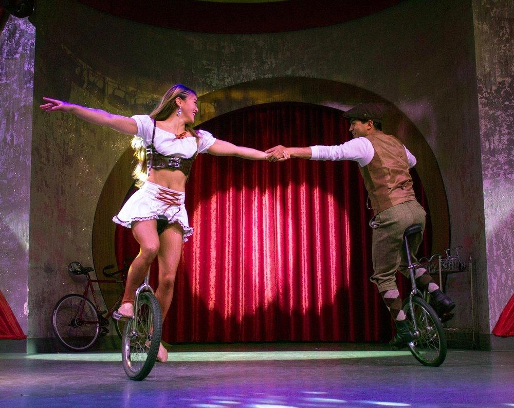 Jonathan Rinny Caroline Rinny Retro Unicycles