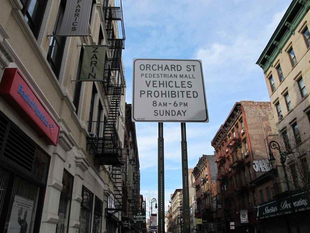 pedestrian-mall-sign
