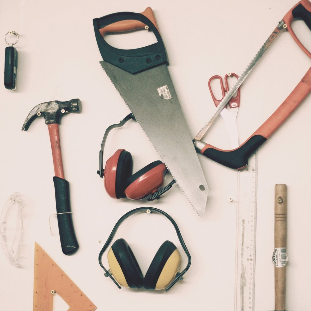 Toolbox - Our toolbox offers you a selection of essential tools for your project.