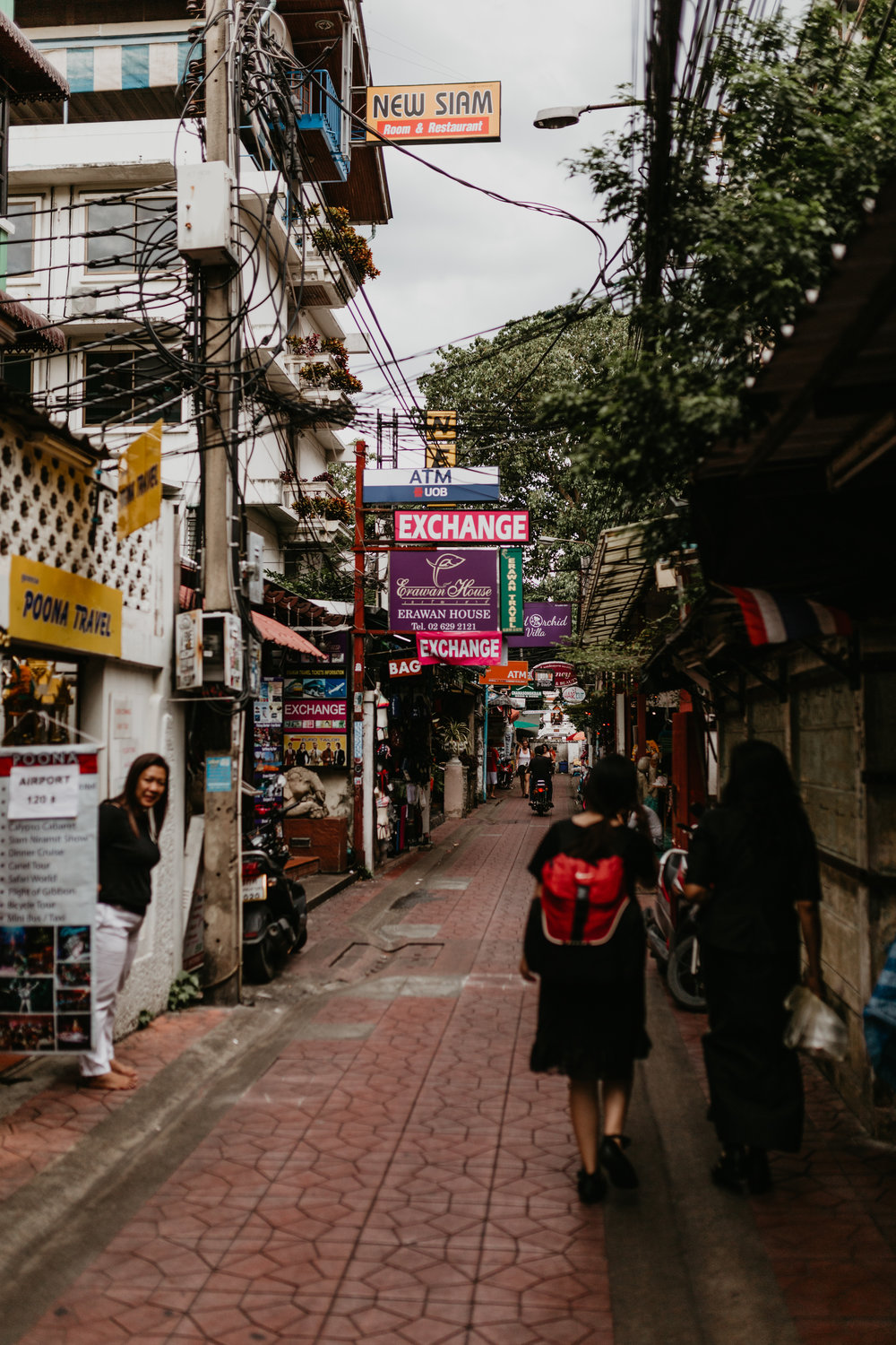 tiny Khao San allyways.jpg