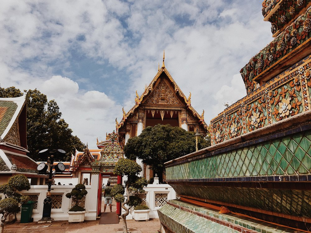 Temples of the Reclining Buddha at Wat Pho.JPG