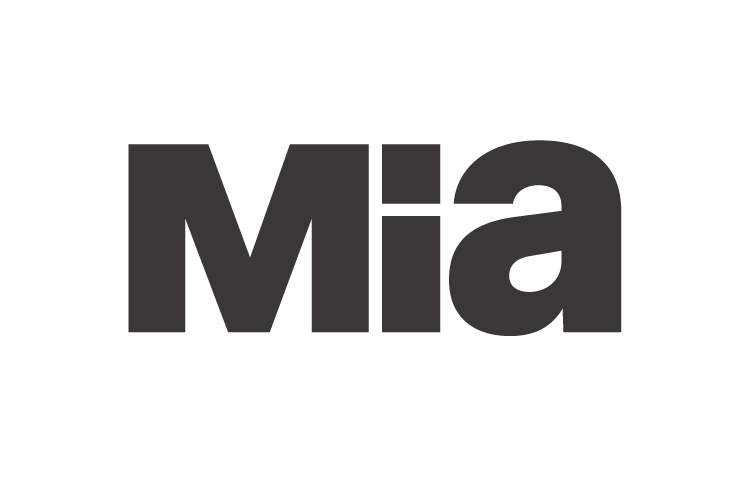 Mia.jpg