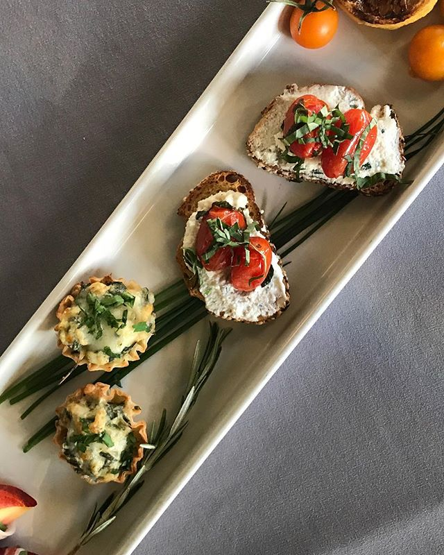Tasty Tapas & Canapes . Perfect for your corporate holiday party or your fall/winter wedding. . #eatdrinkwithEricBauer  Spinach Lemon Parmesan & Artichoke Tartlets paired with Roasted Heirloom Tomatoes with Basil-Lemon Ricotta.  #PNW #Holiday #Wedding #Caterer #EventPros #HolidayParty #Tapas #LocallySourced #SeasonallyInspired