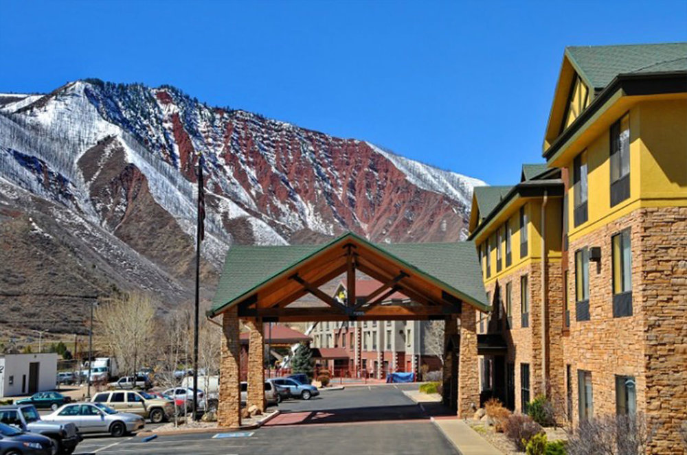 HAMPTON INN BY HILTON - GLENWOOD SPRINGS -
