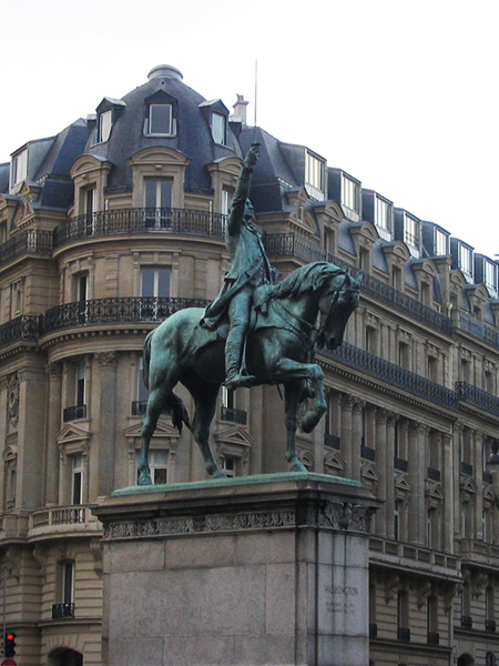 Title:  George Washington Equestrian Statue at Place d'Iéna by Daniel Chester French (1900). Photo: Samuel D. Gruber (Dec. 2012).