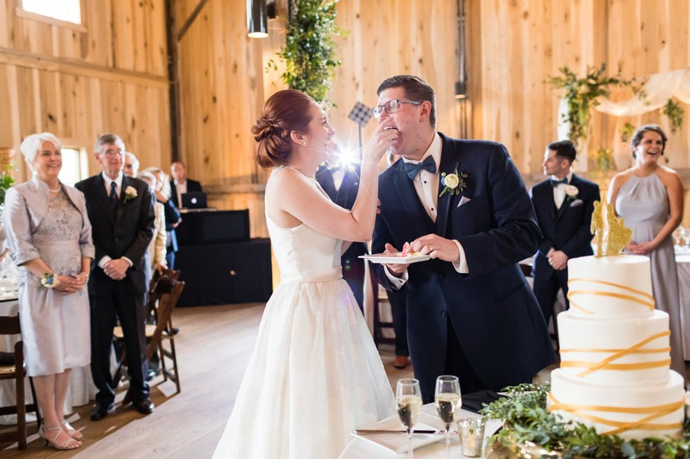 Photography:  Ivan & Louise  Venue:  Lindley Farmstead at Chatham Hills  Florist:  Accent Floral