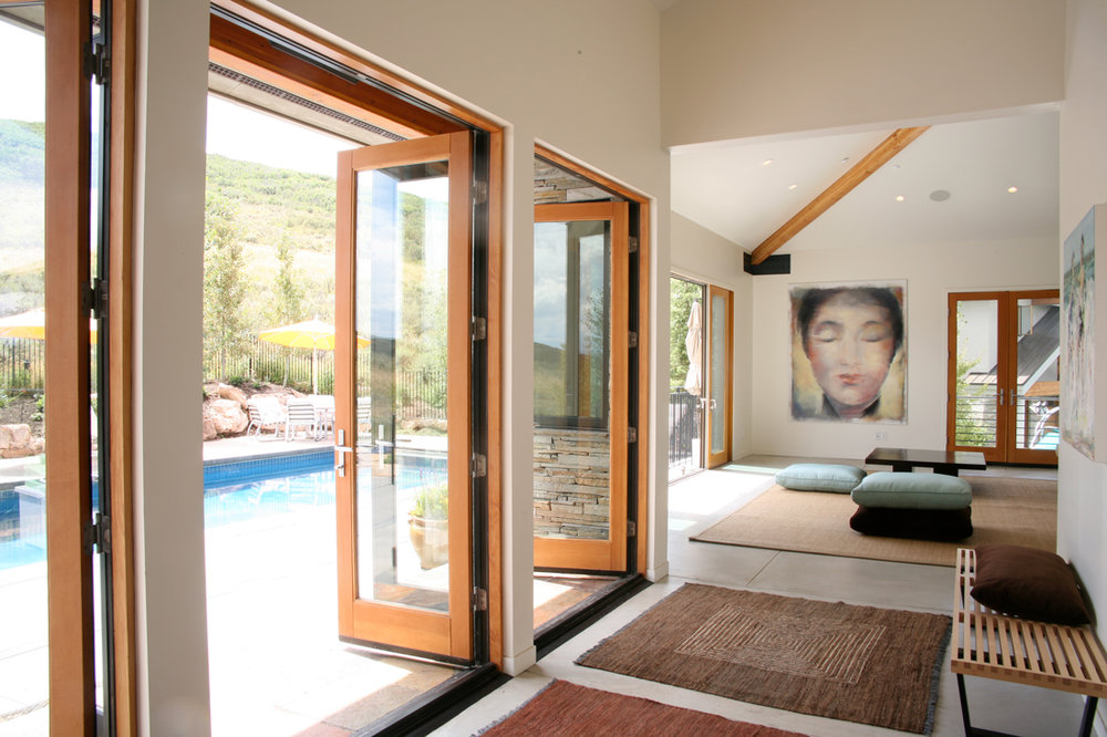 pc_pool_entrance_w.jpg