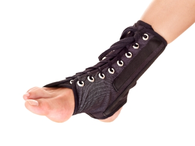 sprained ankle treatment image