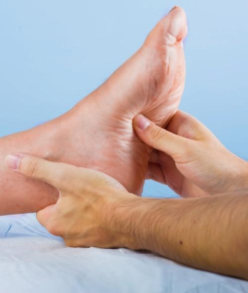 doctor who treats heel pain near me