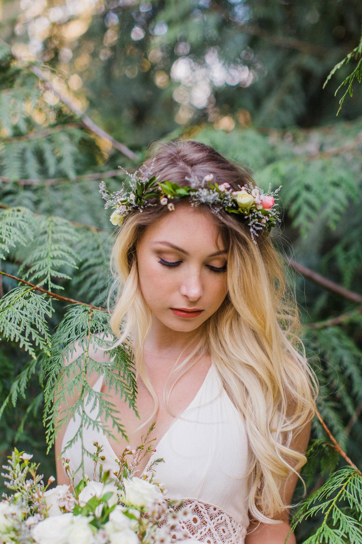 Bride: Katerina Bland   Photo: Leanne Rose Photography  Florals: Floral Noir