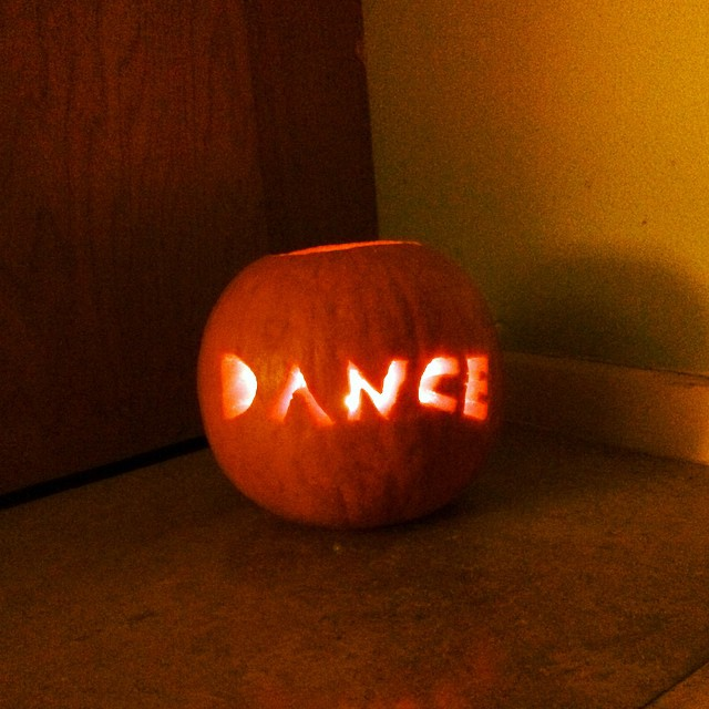 dance pumpkin