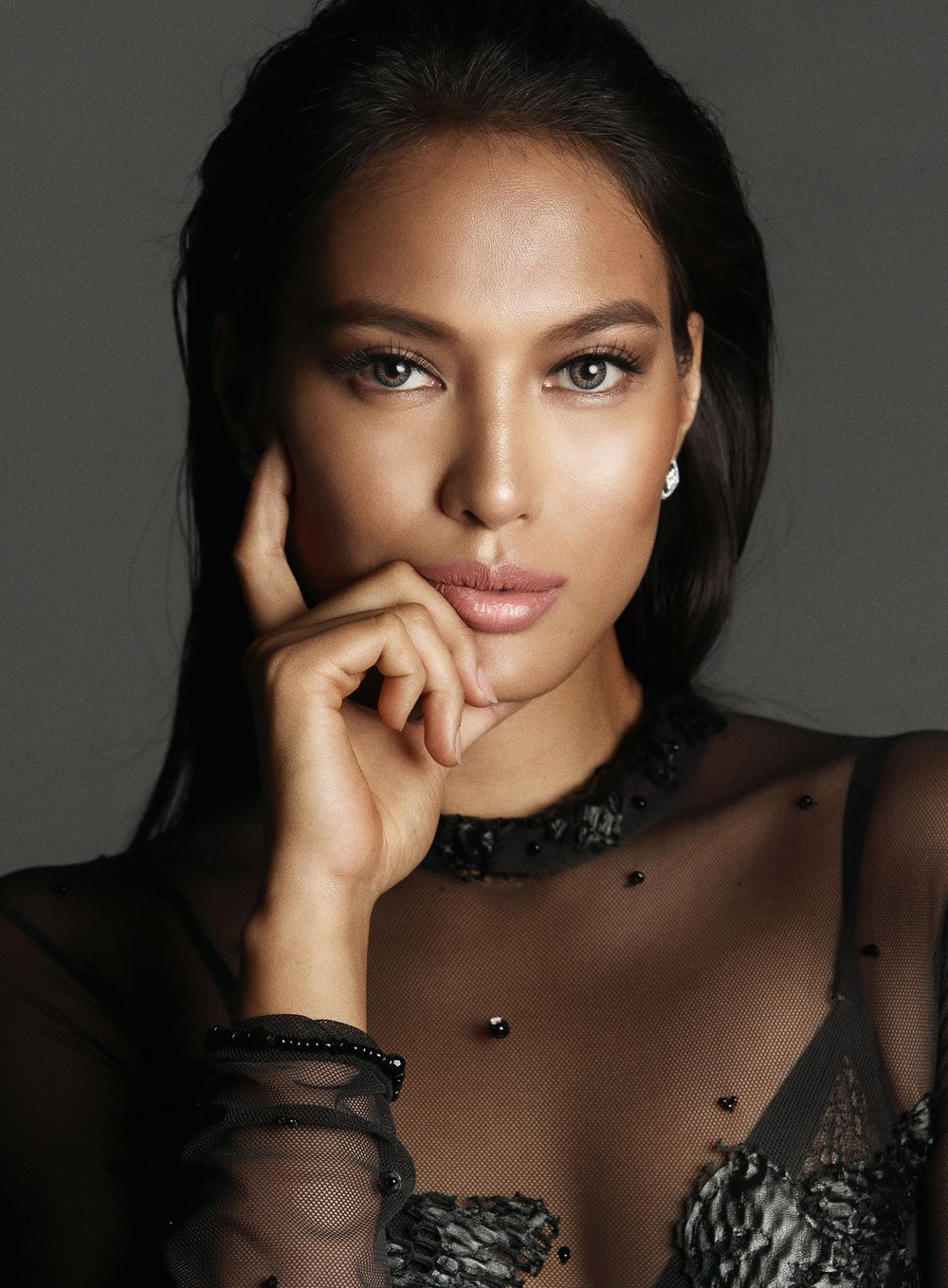 Photographed by Mark Nicdao / Styled by MJ Benitez