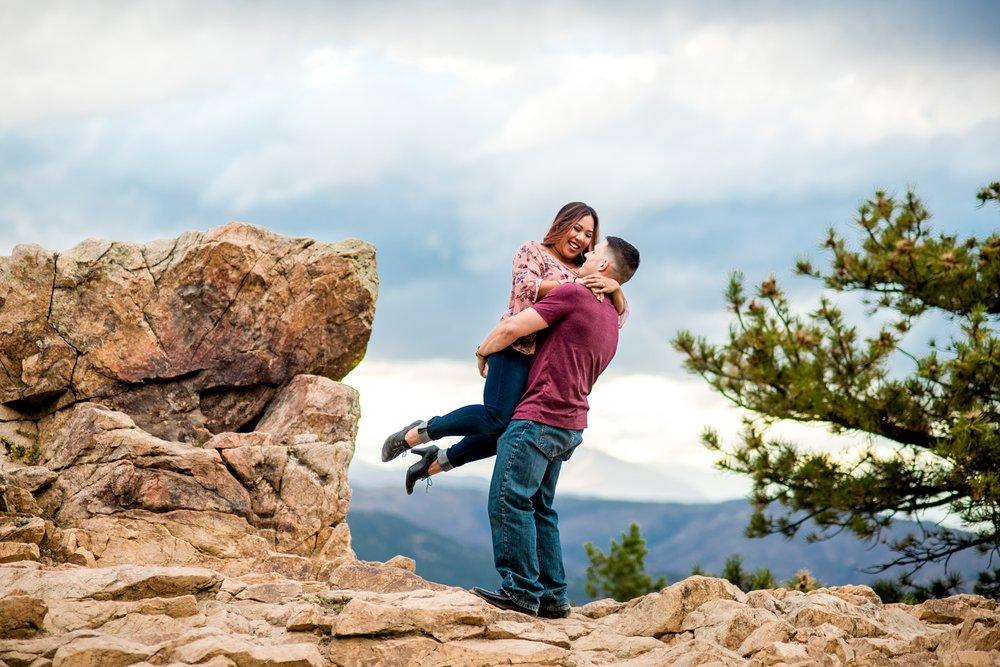 Lost Gulch Overlook Engagement Photos_0008.jpg