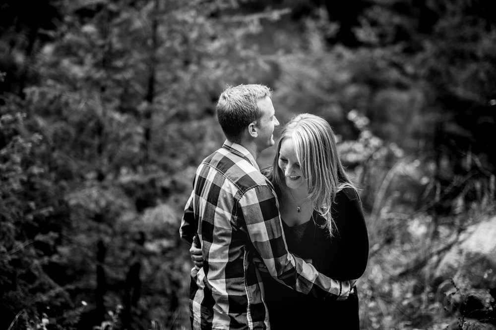 Flagstaff Mountain Engagement Photos_0007.jpg