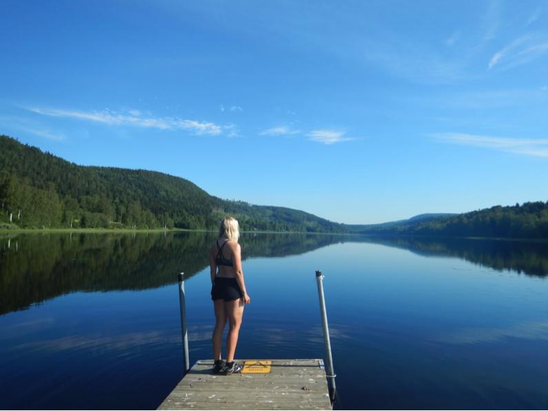 Passade på att ta dopp i många av de sjöarna jag cyklade förbi.