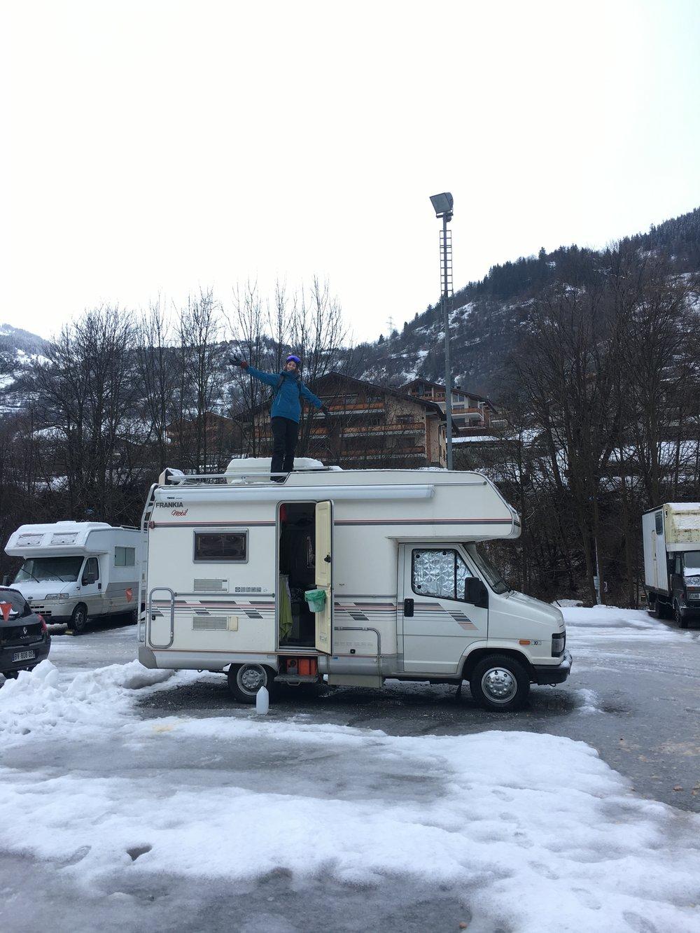 Möt Holger, vår trogna följeslagare denna vinter.