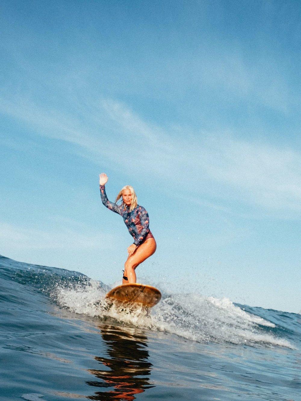 Amanda är en av våra ambassadörer som ser till att leva livet fullt ut och peppa tjejer till att utmana sig på surfbrädan. Läs mer om Amanda  här