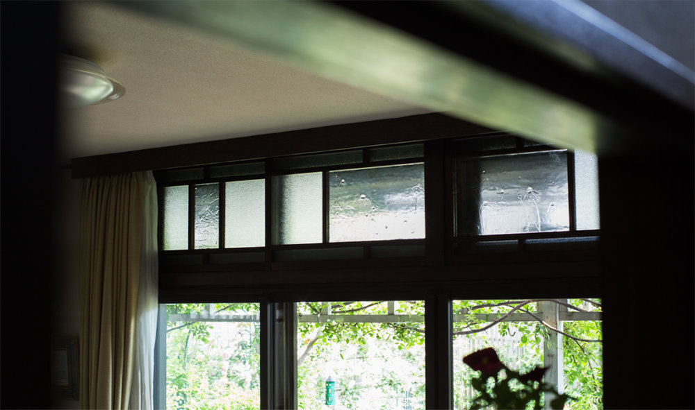 東京T邸「欄間にうつる庭の草花」  →詳しく見る