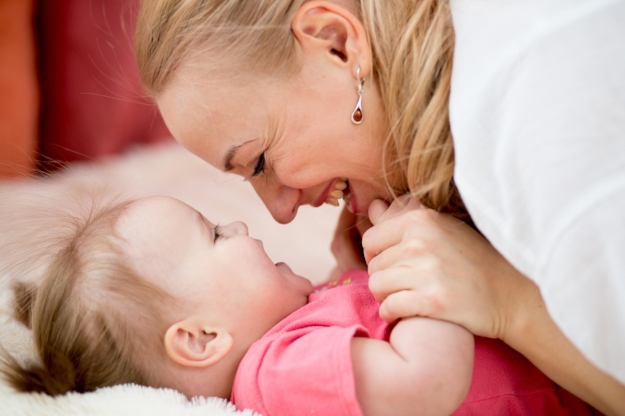 the heart of mothering - An inspiring 8-week class for moms and their pre-crawling babies.
