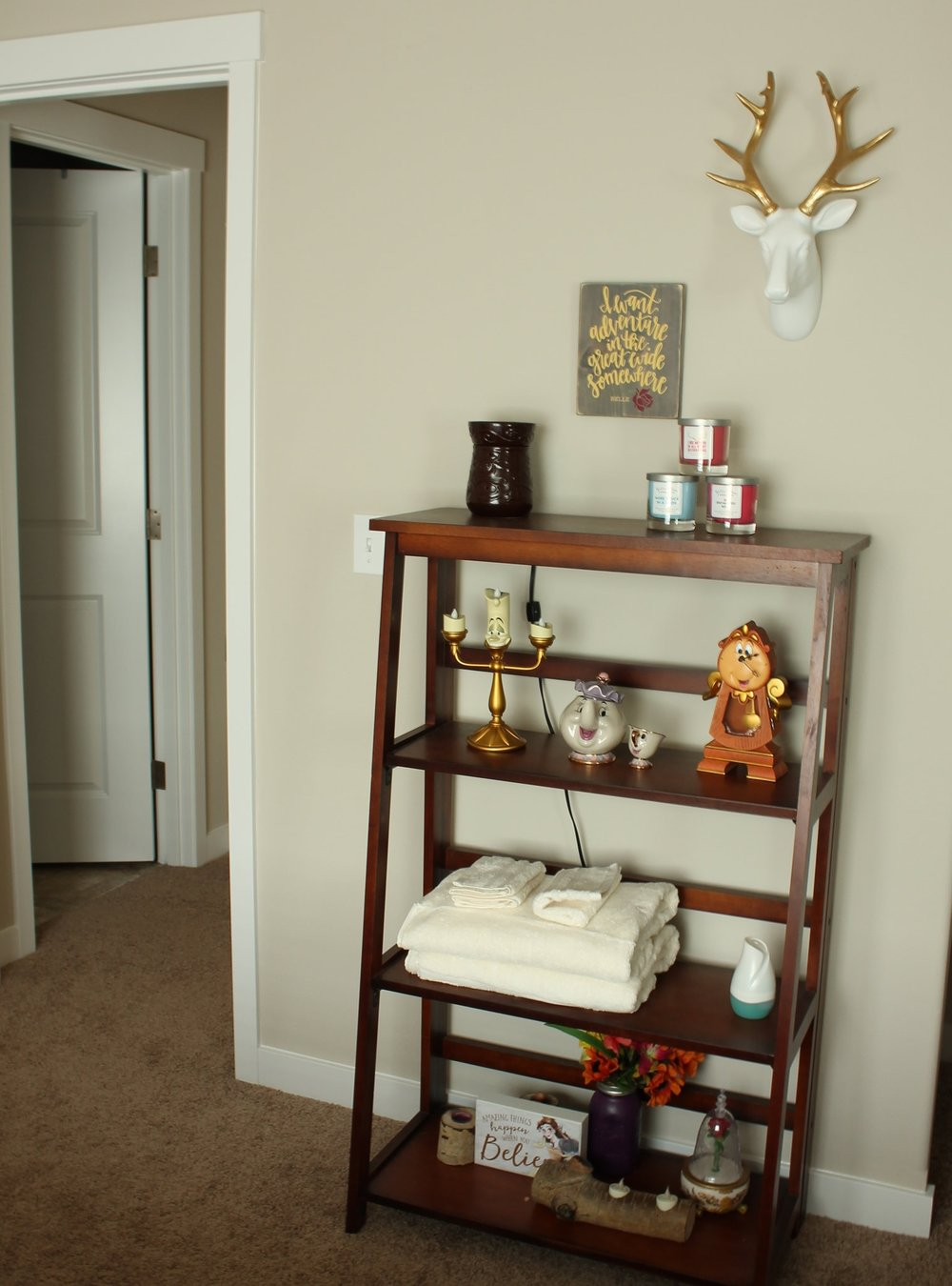 - This is my favorite park of the room, I've had this bookshelf for a while and I didn't want to clutter it!