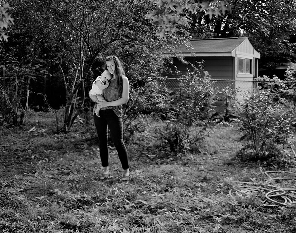 Rebecca Drolen and Ida, Fayetteville, Arkansas, 2016 © Ashley Kauschinger