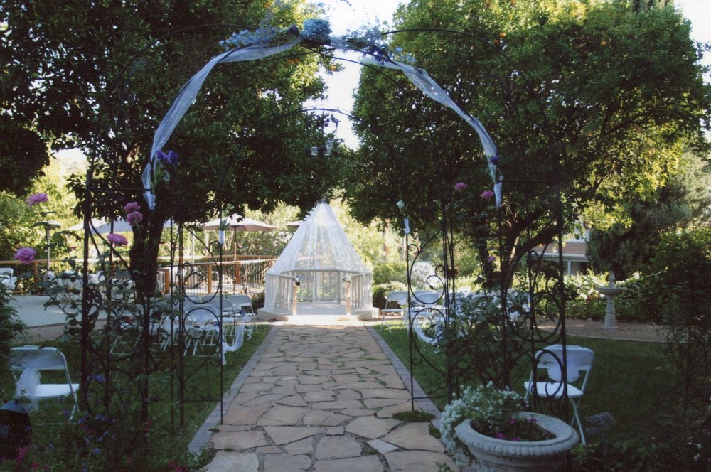 gazebo wedding.jpg