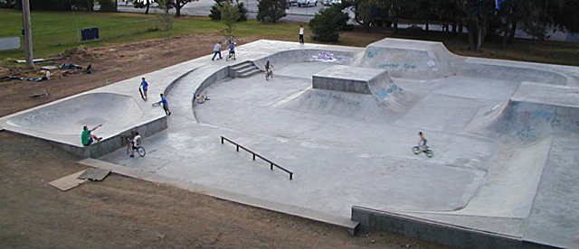 Pier Park's former skatepark was flawed and dysfunctional. It was replaced with a modernized design with the help of Skaters for Portland Skateparks, the St. John's Neighborhood Association and Dreamland Skateparks.