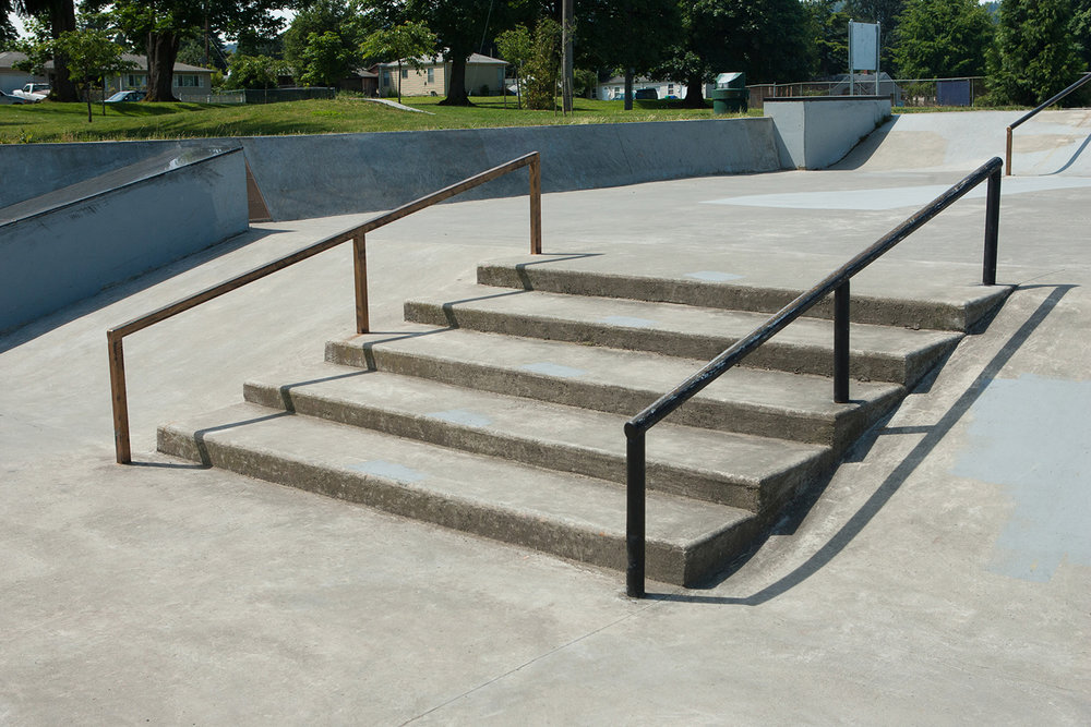 This set of five stairs and with the choice of square and round rails awaits street skaters at Pier Park Skatepark.