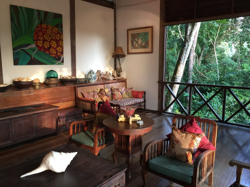 The library pavilion. Read & relax surrounded by jungle. Real tropical style