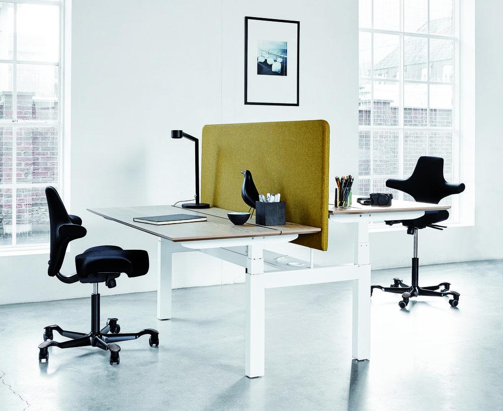 jeb_furniture_holmris_desking_height_adjustable_table_Q40_01.jpg