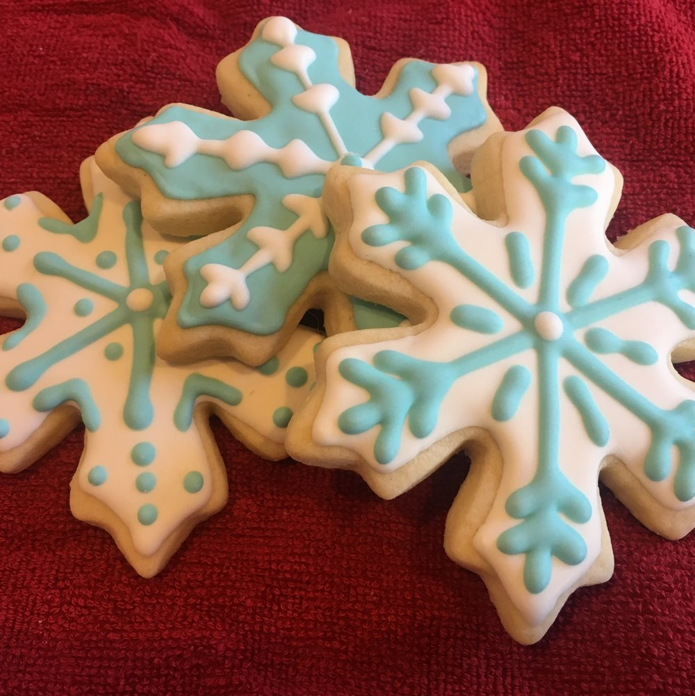 DECEMBER 2017    Royal Icing is a Crowning Achievement