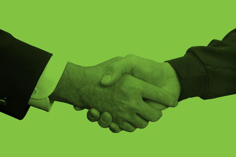 handshake-1239869.jpg