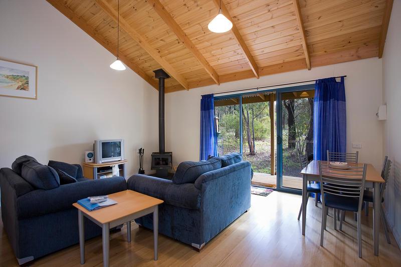 Lounge B Large image.jpg