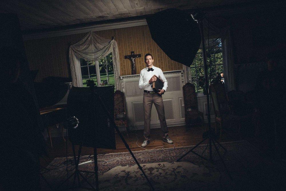 Fotoopptak med Kristopher Schau i hovedhuset