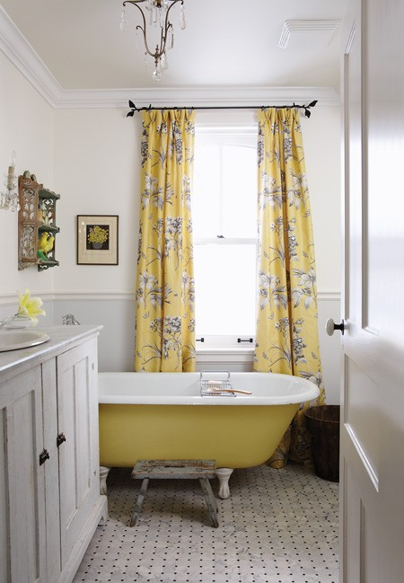 Sarah Richardson yellow bathtub
